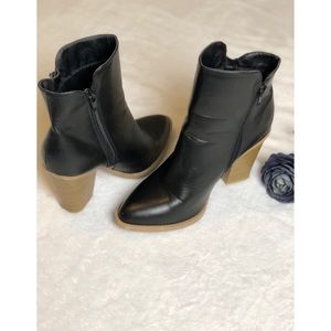 WILD DIVA WOMEN'S black Ankle Boots BOOTIES Size8
